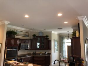 8.25 crown molding0005
