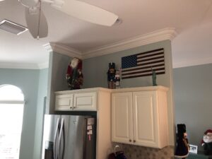 8.25 crown molding0008
