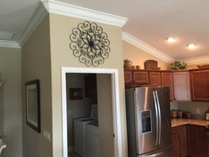 8.25 crown molding0028