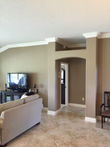 8.25 crown molding0036