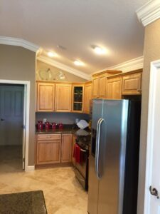 8.25 crown molding0037