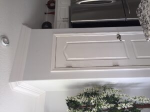 8.25 crown molding0038