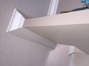 8.25 crown molding0040